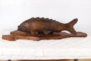 大型彫刻 鯉